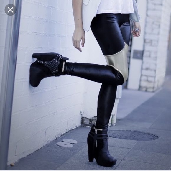 d6d2d3aca74c Sam Edelman Zoe harness boots 9.5 like new!